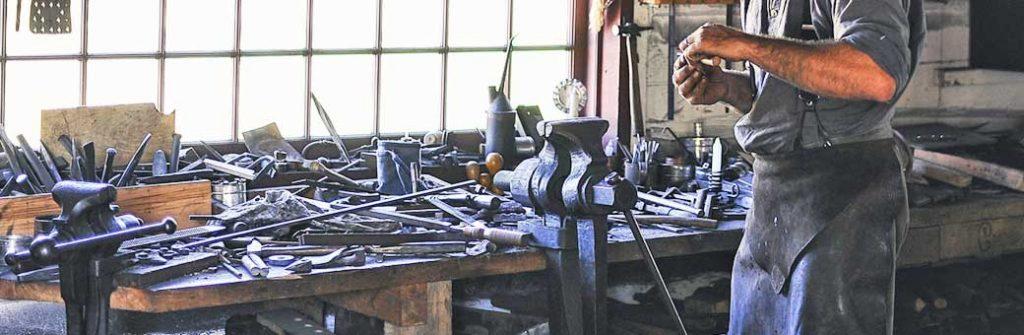 piedras para taladro son ideales para herrero trabajando en taller