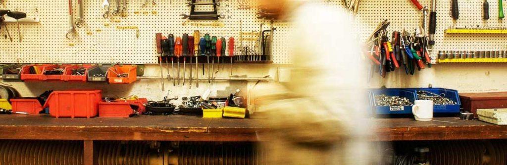 taller con herramientas