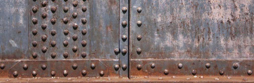 chapa con remaches muy oxidados aprende cómo quitar remaches con el taladro